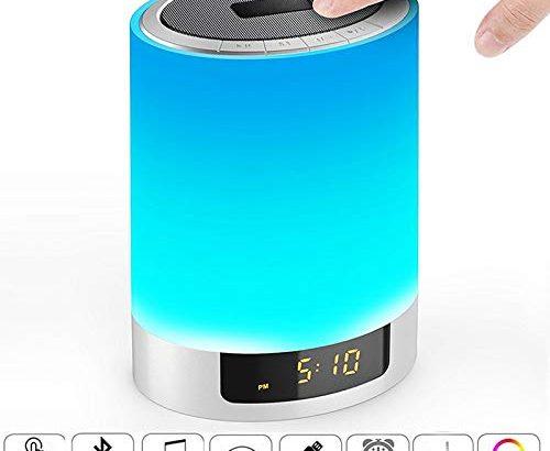 nachttischlampe mit bluetooth lautsprecher amouhom touchlampe mit 7 modus 48 farben 12 24h. Black Bedroom Furniture Sets. Home Design Ideas